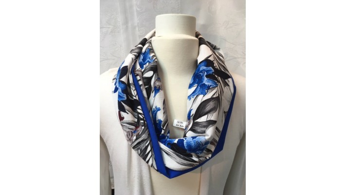 Foulard Bleu gris et blanc